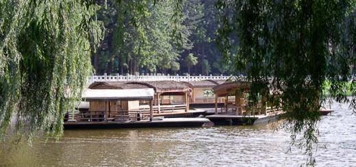 Kunming Park boats
