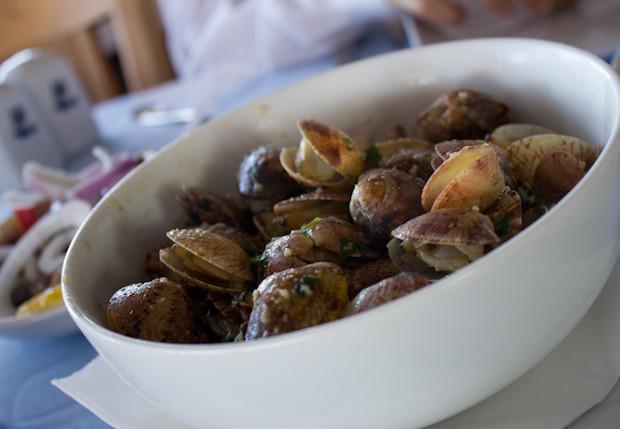 Bowl of fresh clams at Fish Market, Alexandria.