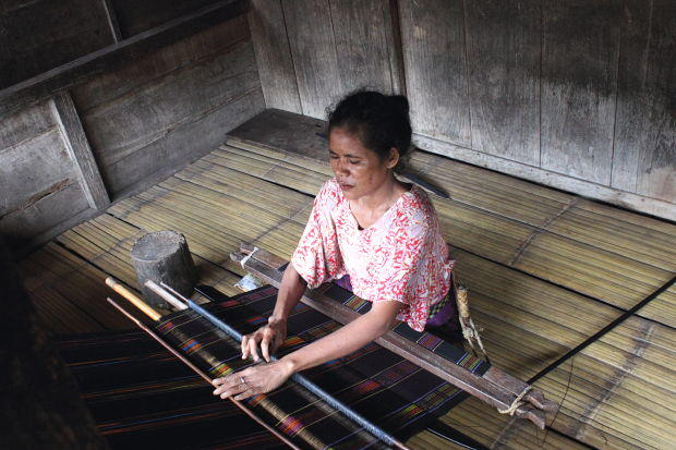 On the Up in Flores: Bajawa Ikat weaving