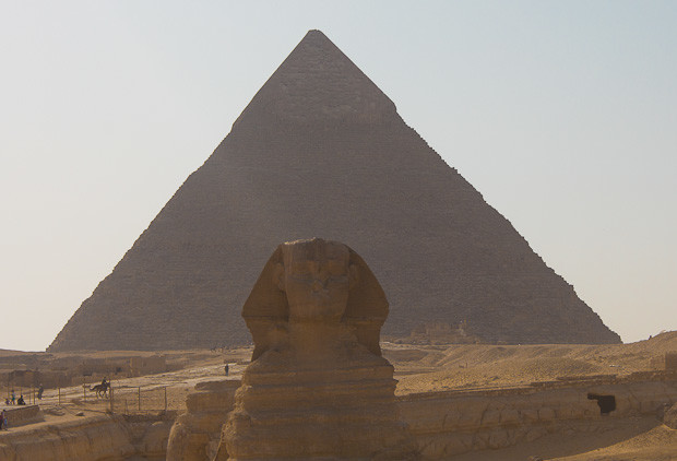 Pyramid of Khafra and his sphinx, Giza, Cairo, Egypt.