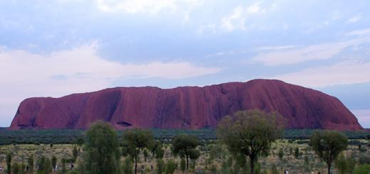 Sunrise-over-Uluru11