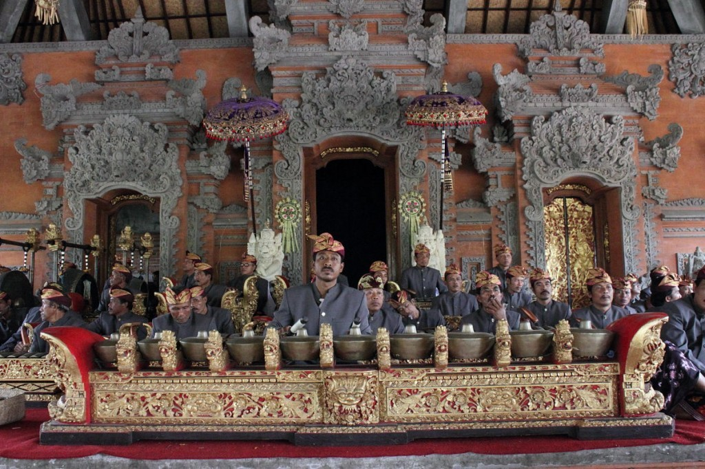 gamelan orchestra at cremation, bali