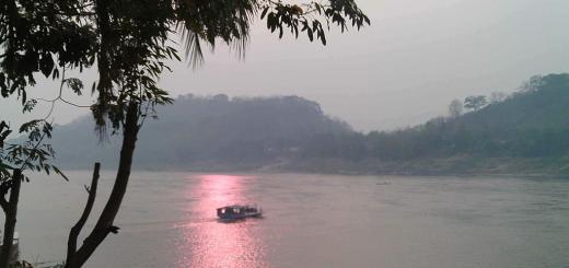 mekong-sunset-luang-prabang-laos