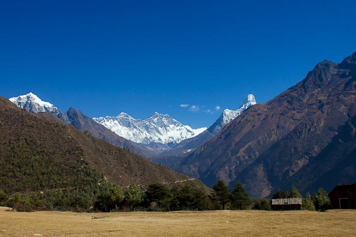 First Sight of Everest-3