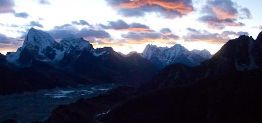 Sunrise from Gokyo Ri x400-2