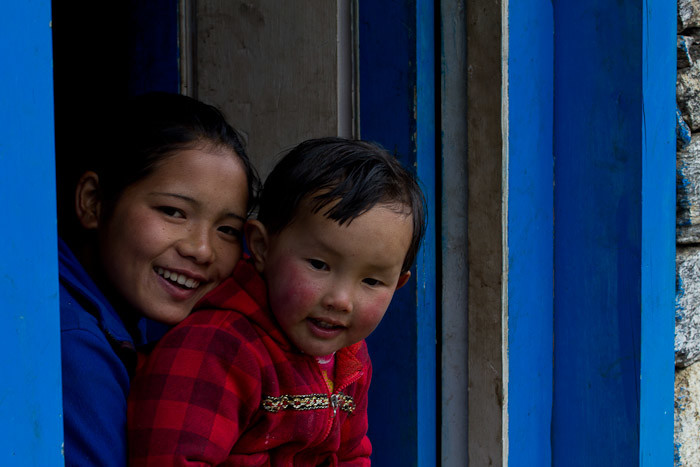 Pictures of Nepal: Sherpa mother and baby outside Namche.