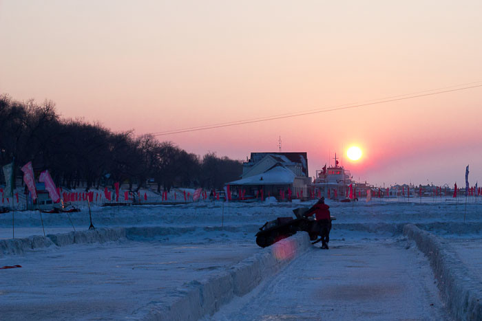 Zac crashes his tank on the frozen Songhua River, Harbin.