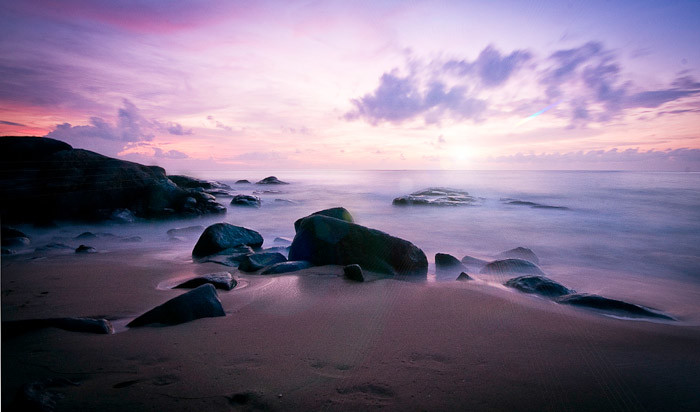 Beach Khao Lak by Raymond Bosna.