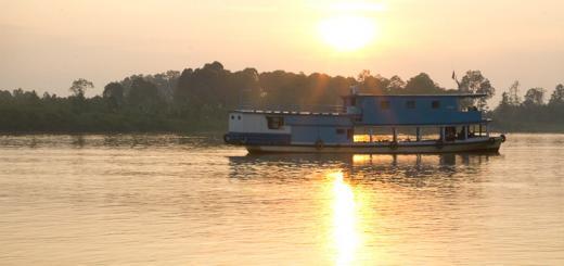 Mahakam River Boat Rotator