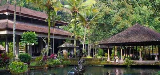 The water temple of Tirta empul at Tampak Siring.
